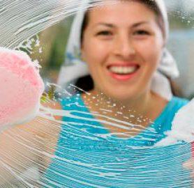 ramen poetsen met spons