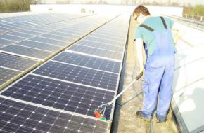 Stephan Domen zonnepanelen reinigen